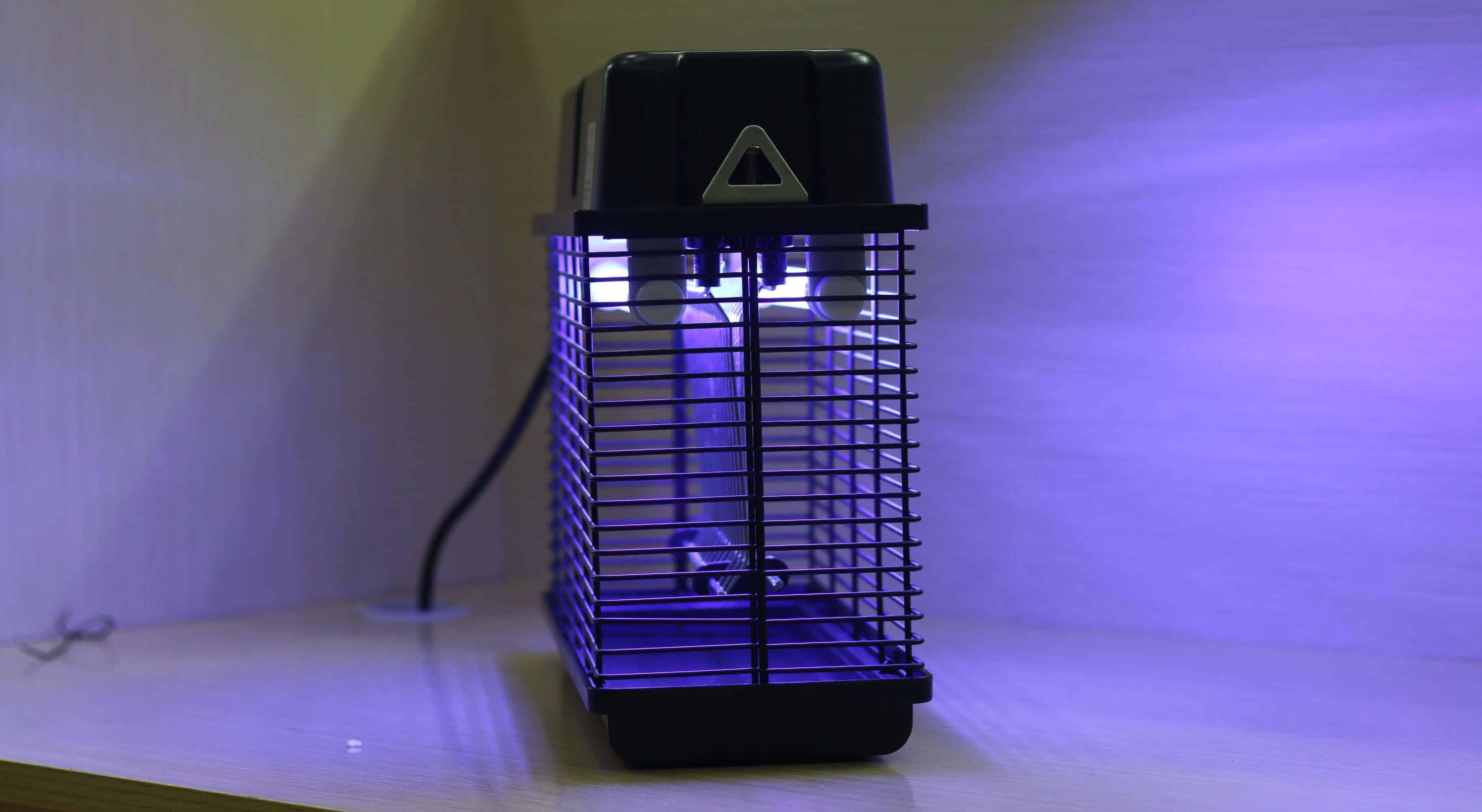 chất liệu của đèn bắt muỗi