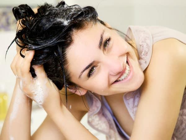 đối với tóc dầu bết