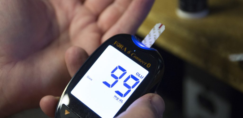 kiểm tra bộ nhớ máy đường huyết