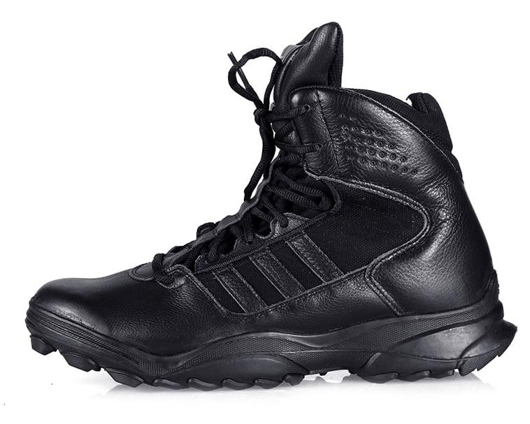 giày leo núi adidas