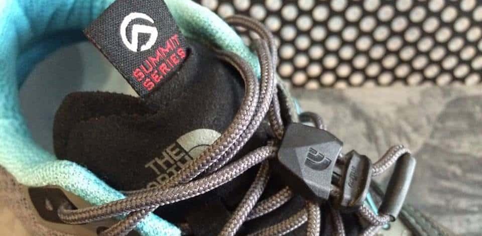kiểm tra lớp lót giày leo núi