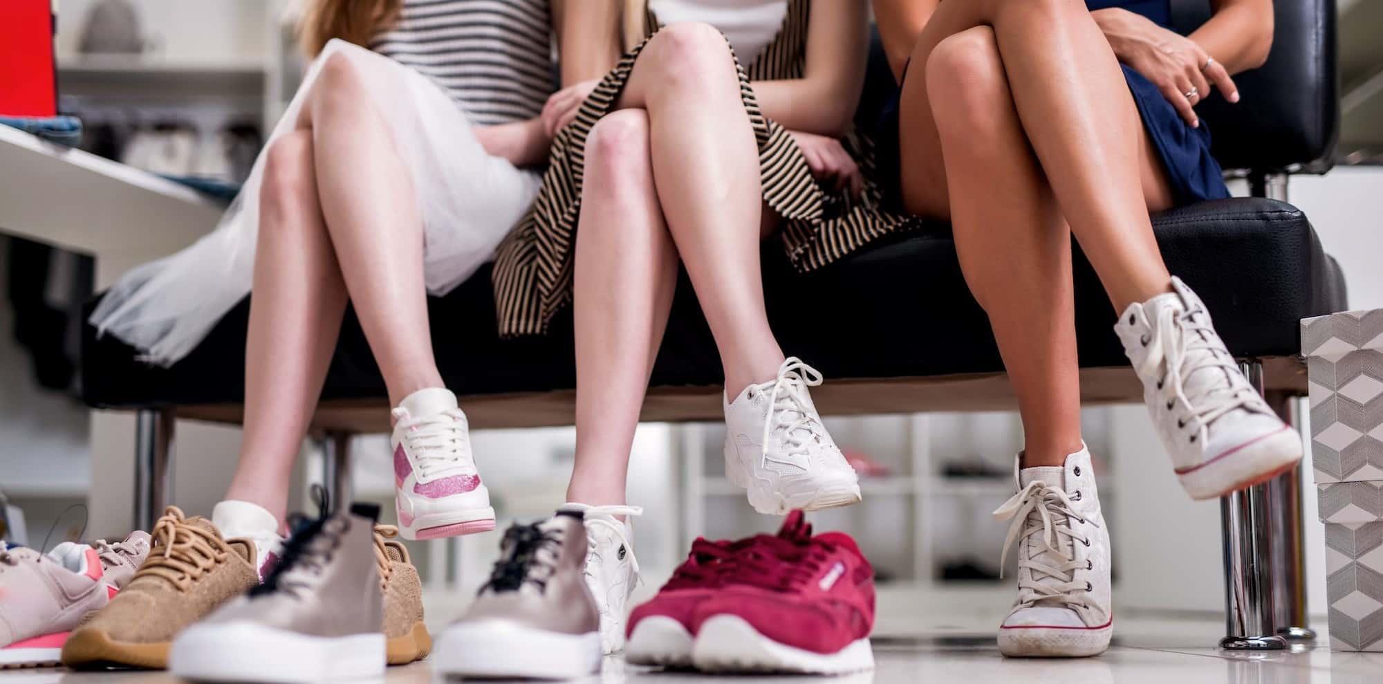 mua giày sneaker nữ giá rẻ đẹp nhất