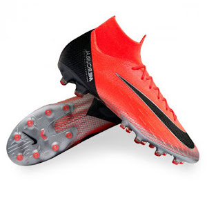 giày đá bóng là gì