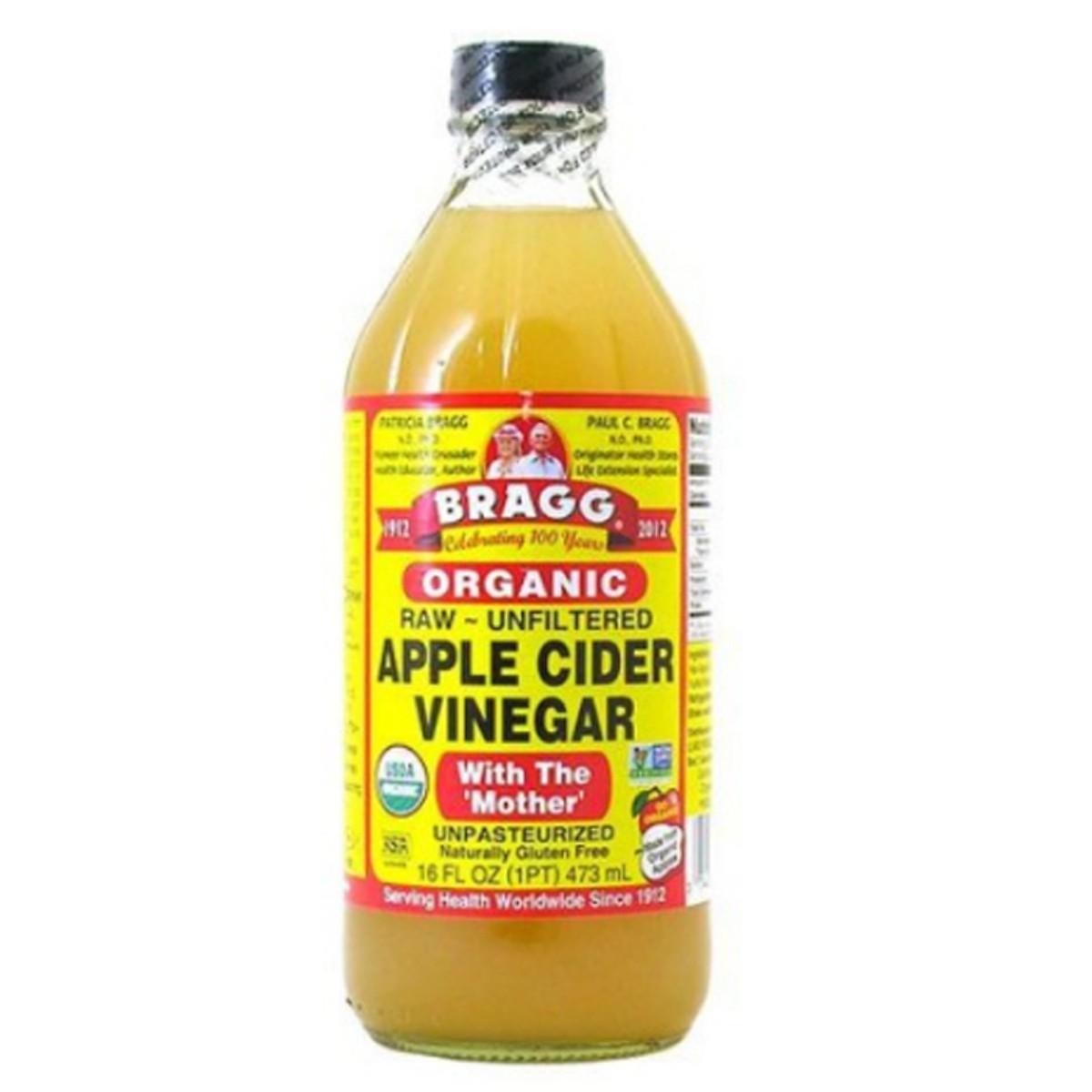 Giấm táo hữu cơ Bragg 473ml
