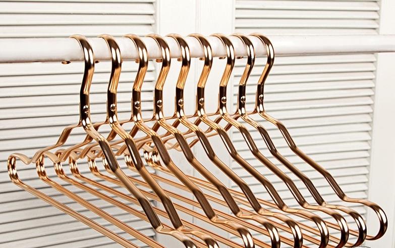 chất liệu móc treo quần