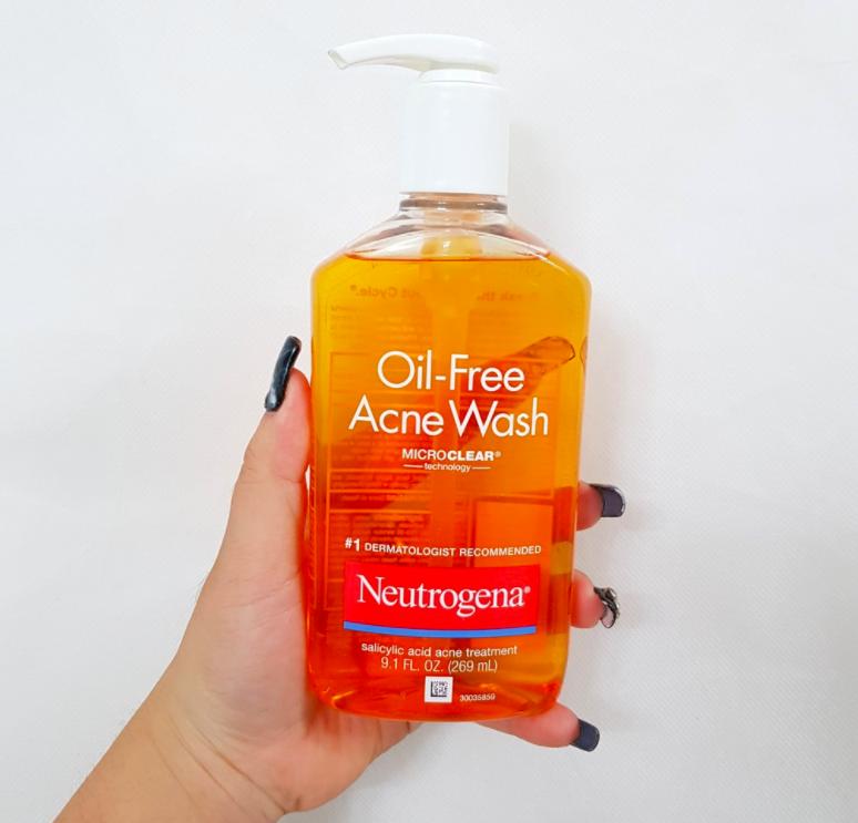 cảm nhận khi dùng neutrogena oil-free acne wash