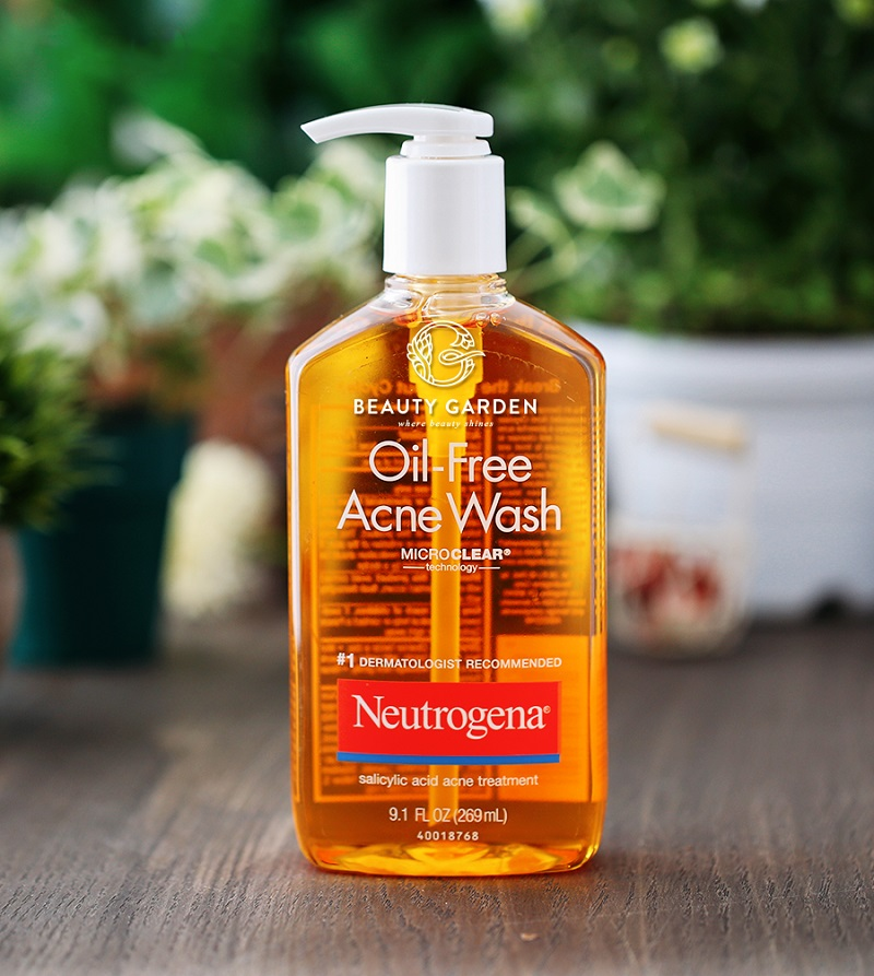 Giới thiệu Neutrogena Oil-Free Acne Wash