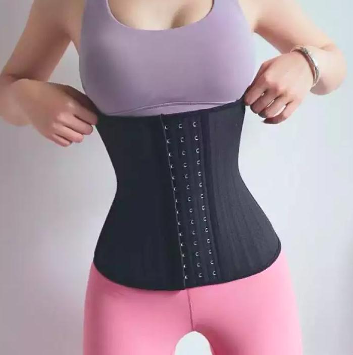đối tượng sử dụng đai nịt bụng latex