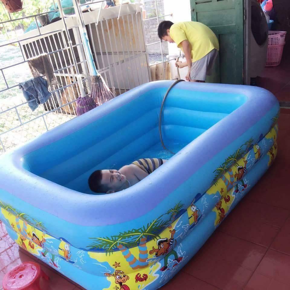 Mùa hè đến là xu hướng mà nhiều bậc phụ huynh mua bể bơi cho con
