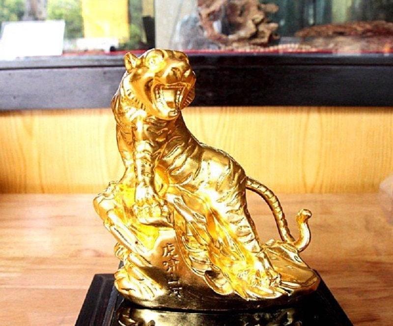 Hướng đặt tượng Hổ để bàn