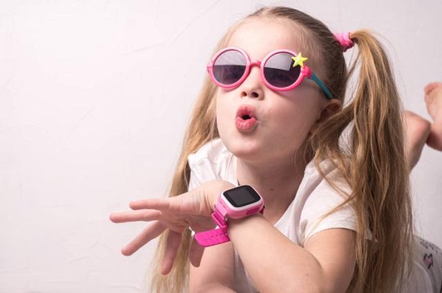 Nên chọn chiếc đồng hồ định vị phù hợp với sở thích, độ tuổi và giới tính của trẻ