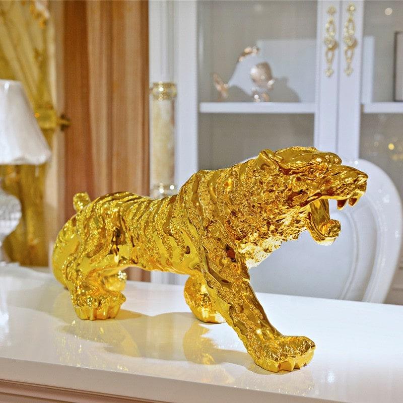 Tượng Hổ được mạ vàng sáng bóng