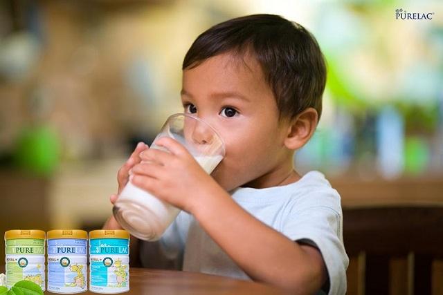 Sữa Purelac mùi dễ chịu, vị thanh dễ uống