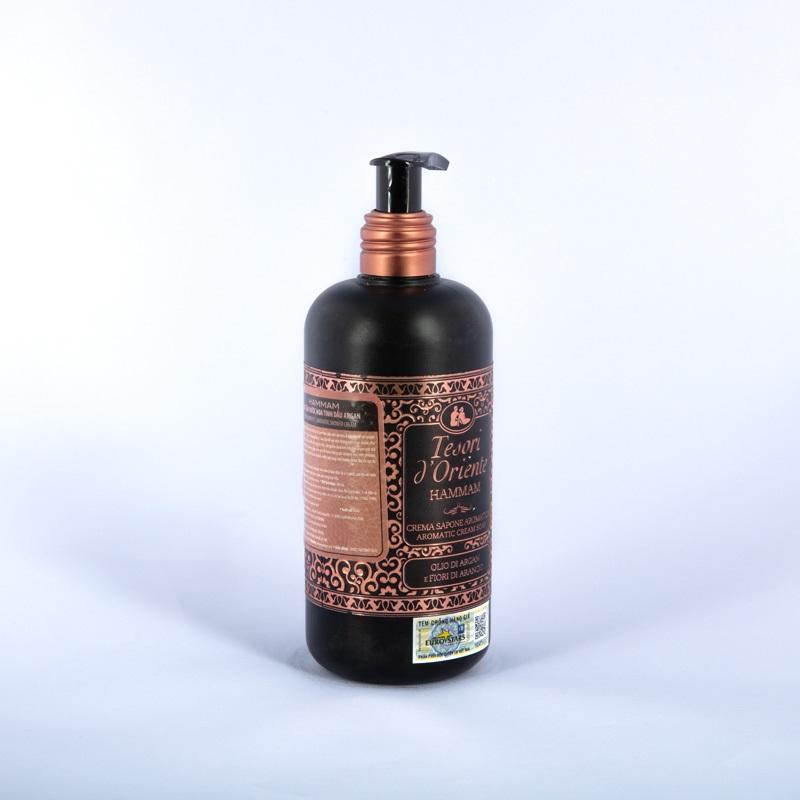 Sữa tắm hương tinh dầu Argan rất thích hợp với bạn nữ có làn da khô
