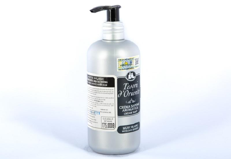 Sữa tắm nước hoa Tesori tinh chất xạ hương luôn khiến phái đẹp mê mệt bởi mùi hương ấn tượng