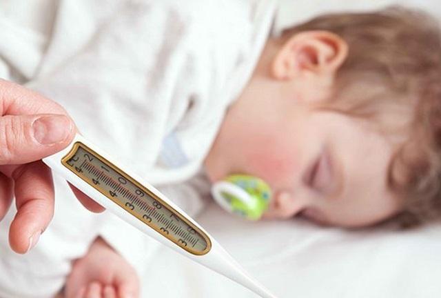Trẻ bị ốm có thể sử dụng siro Imunoglukan