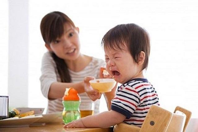 Trẻ biếng ăn nên sử dụng siro Imunoglukan