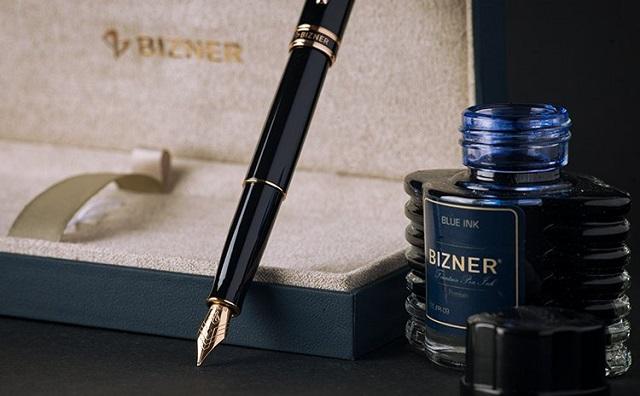 Thiên Long sản xuất mực Bizner đi kèm luôn với dòng bút máy cao cấp cùng tên